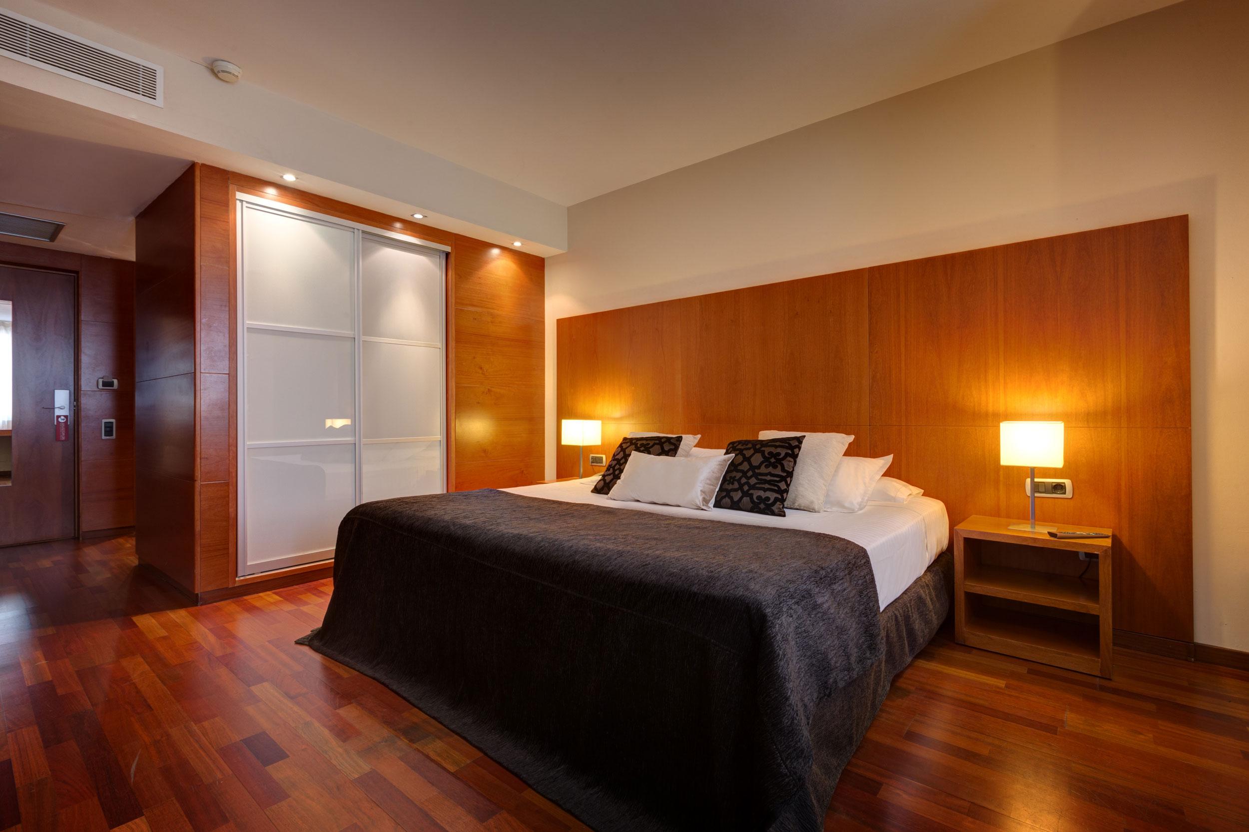 habitaciones hotel acevi villarroel barcelona