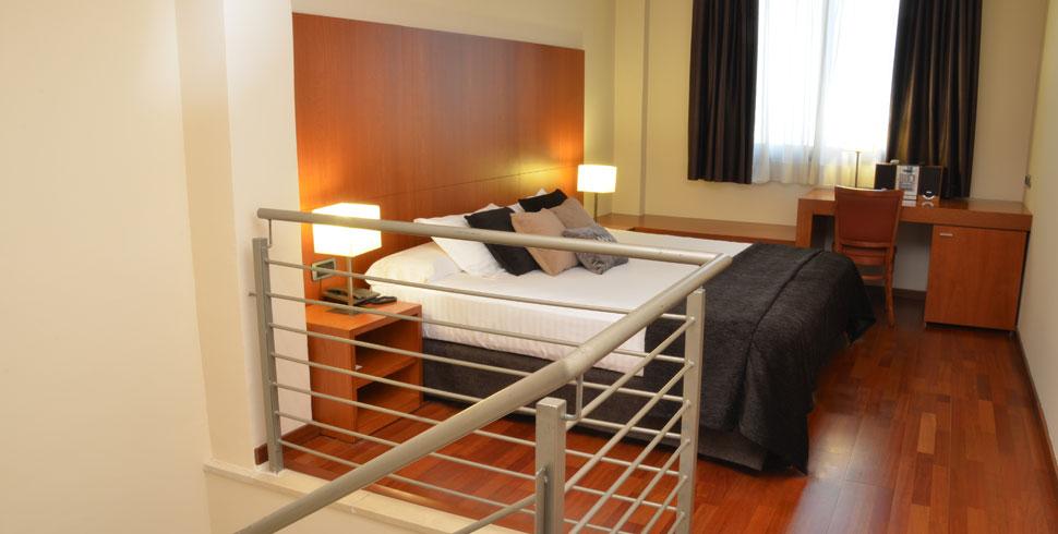 Hotel centro barcelona wifi gratis acevi villaroel for Hotel barcelona habitacion familiar
